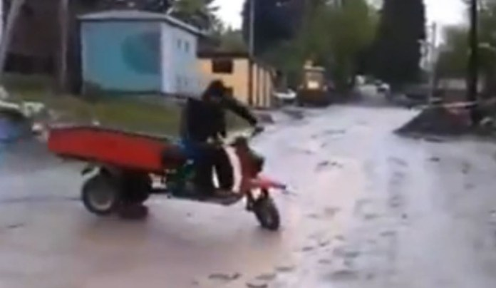 russian fail scooter crash