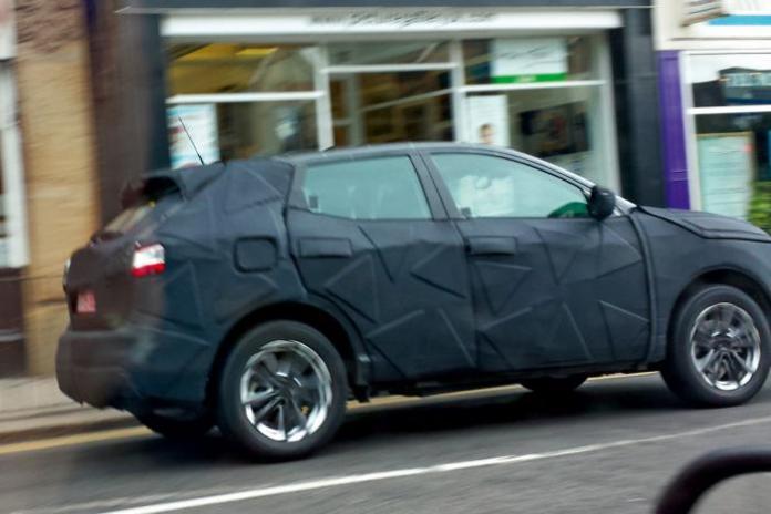 Nissan Qashqai 2014 spy photos (1)