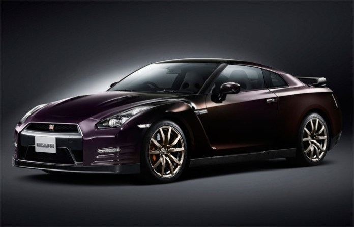 2014-Nissan-GT-R-Midnight-Opal-1