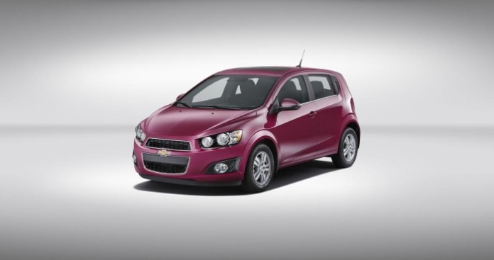 Chevrolet Sonic 2014 in Deep Magenta Metallic (2)