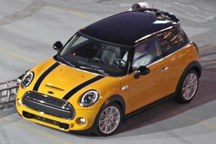 MINI Cooper 2014 Spy Photos (1)