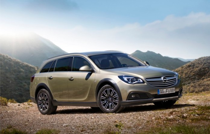Opel Insignia Country Tourer 2013 (1)