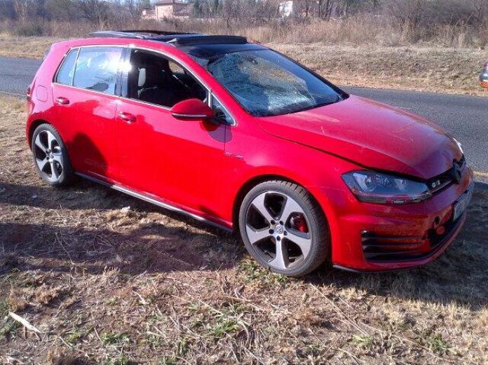 Volkswagen Golf GTI crash (2)