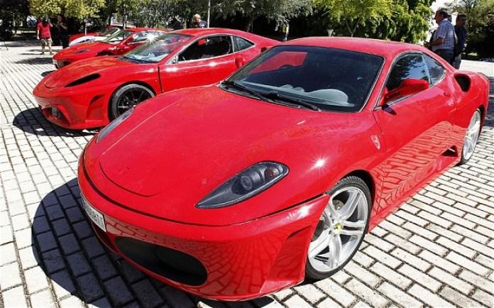 Fake-Ferrari_2632092b