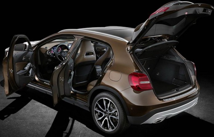 Mercedes-Benz GLA 2014 First Photos (9)
