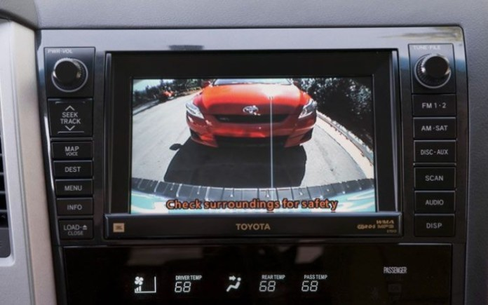 112_0801_10z+2008_toyota_sequoia_limited+rear_view_camera_view