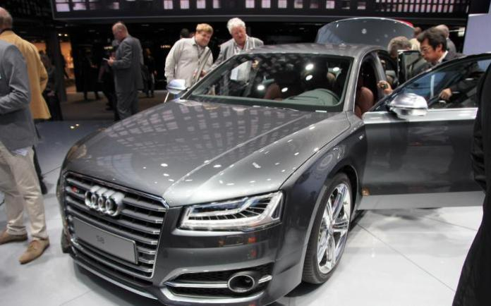 Audi A8 and S8 Facelift 2014 Live in Frankfurt 2013 (16)