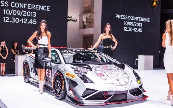 Lamborghini babes at Frankfurt Motor Show 2013 (6)