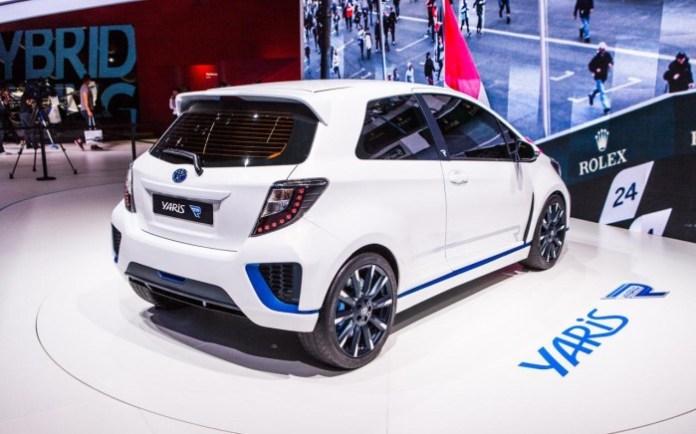 Toyota Yaris Hybrid-R (1)