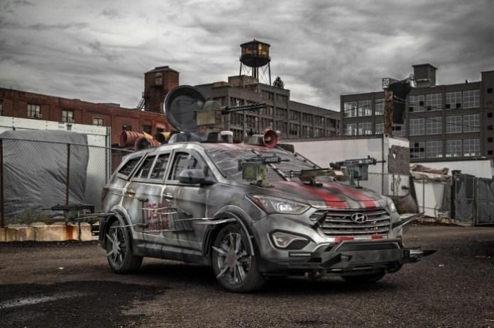 Hyundai Santa Fe Sport Zombie Survival Machine (1)