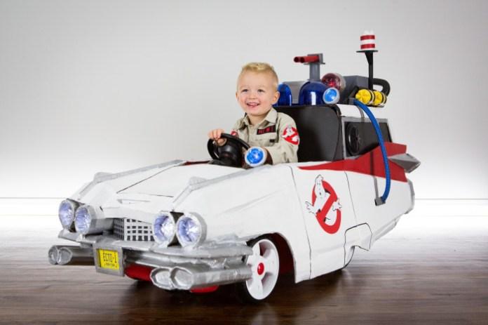 Cardboard Ecto-1 Halloween costume follows last year's DeLorean