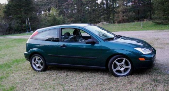 2000 Ford Focus V8 RWD
