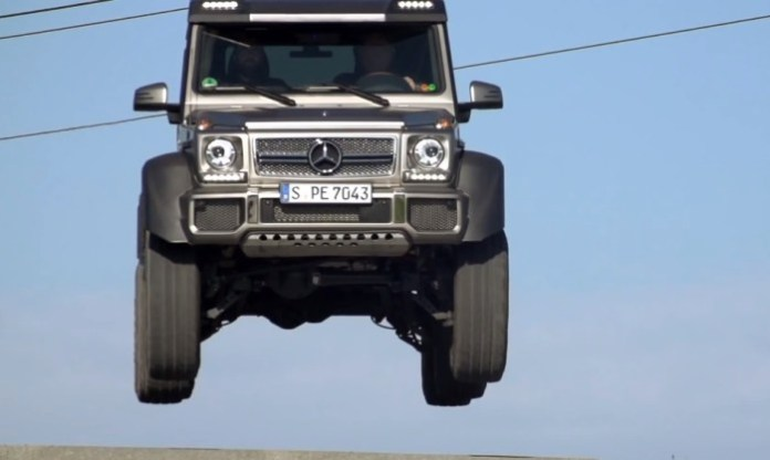 2014 Mercedes-Benz G63 AMG 6X6 vs 2014 Mercedes-Benz G63 AMG!