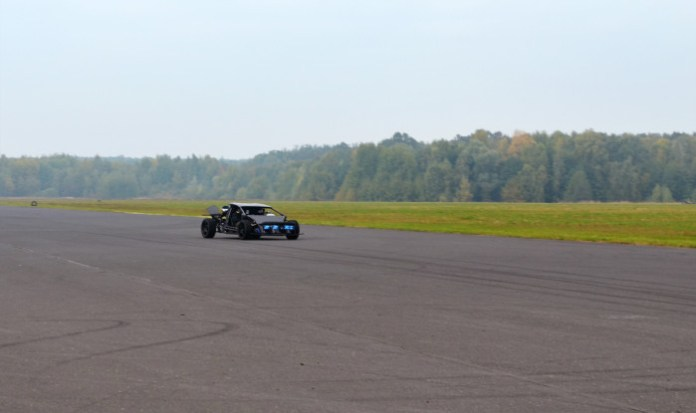 Arrinera tests with Lee Noble