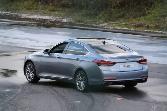 Hyundai Genesis 2014 Spy Photos (4)