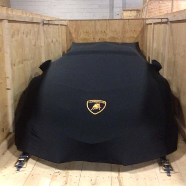 Lamborghini Veneno delivery