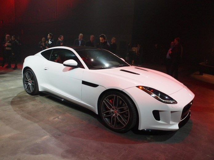 jaguar-f-type-coupe-debuts-at-la-auto-show-live-photos_7