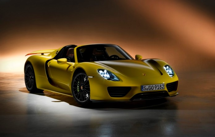 porsche-918-spyder-in-yellow-1