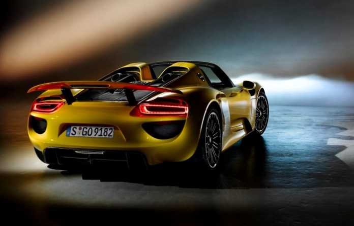 porsche-918-spyder-in-yellow-5