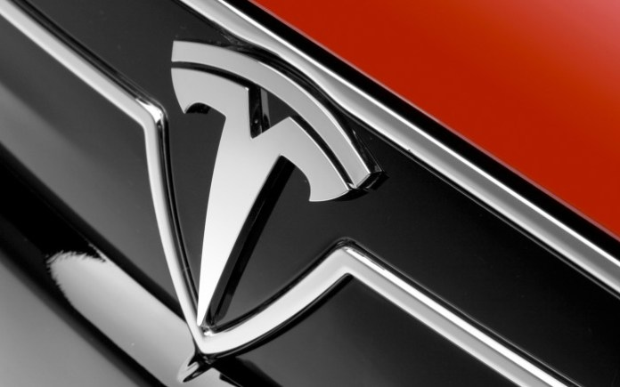 Tesla-badge