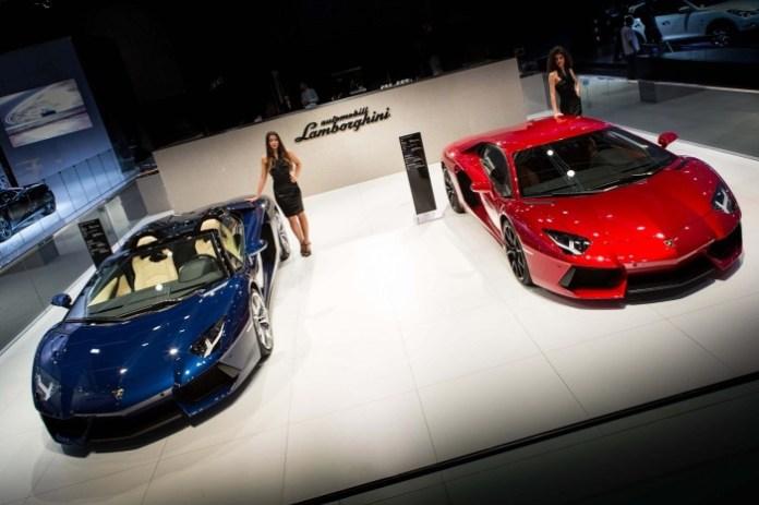 lamborghini-aventador-roadster-at-2013-dubai-motor-show
