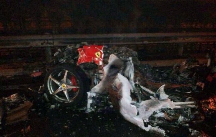 Ferrari 458 Italia Crash in China (4)