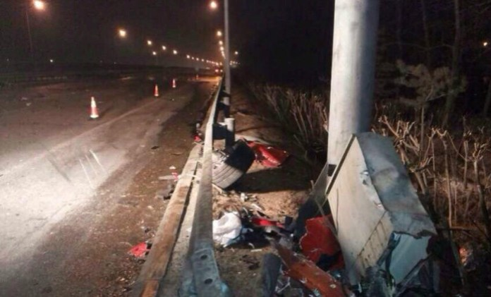 Ferrari 458 Italia Crash in China (6)