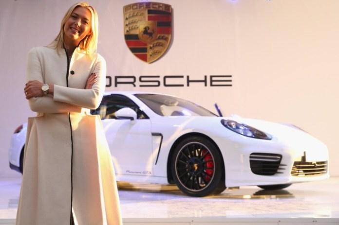 Maria Sharapova and her Porsche Panamera GTS (1)