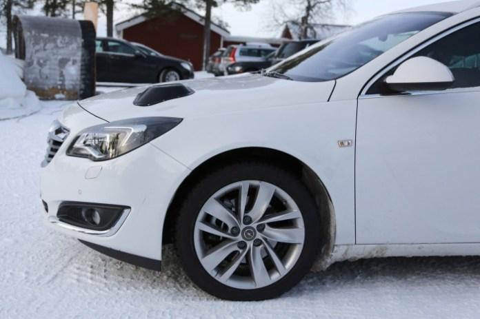 Opel Insignia next-gen test mule (3)