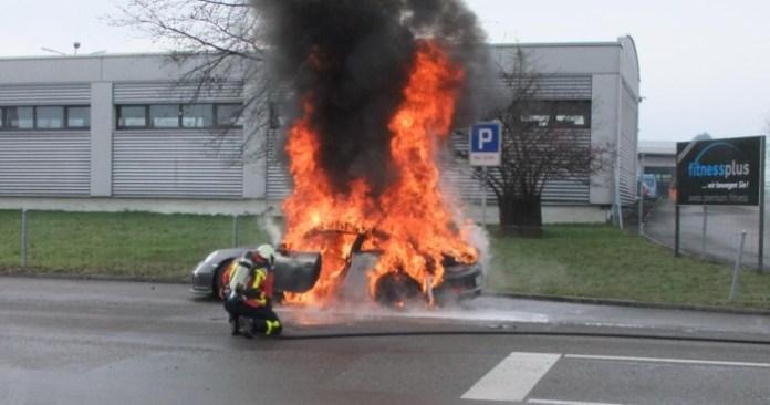 Porsche-911-GT3 fire