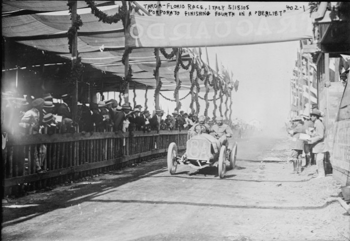 Porporato_in_a_Berliet_finishing_fourth_at_Targa_Florio_1908