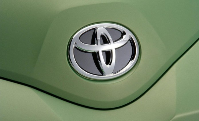 toyota-urban-cruiser-concept-front-badge-photo-226395-s-1280x782