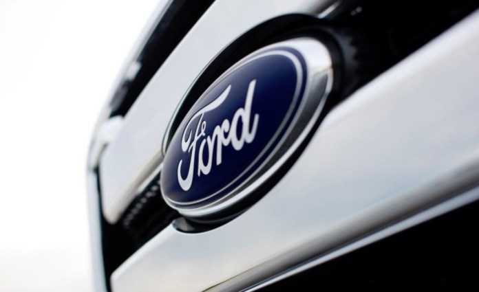 2011-ford-badge-photo