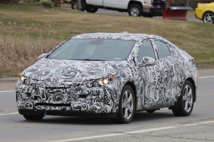 Chevrolet Volt 2016 Spy Photos (1)