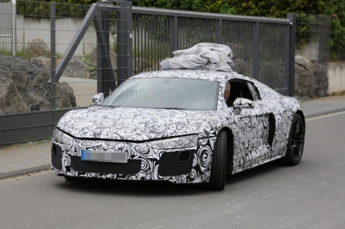 2016-audi-r8-new-led-taillights-spied-in-detail-1080p-1