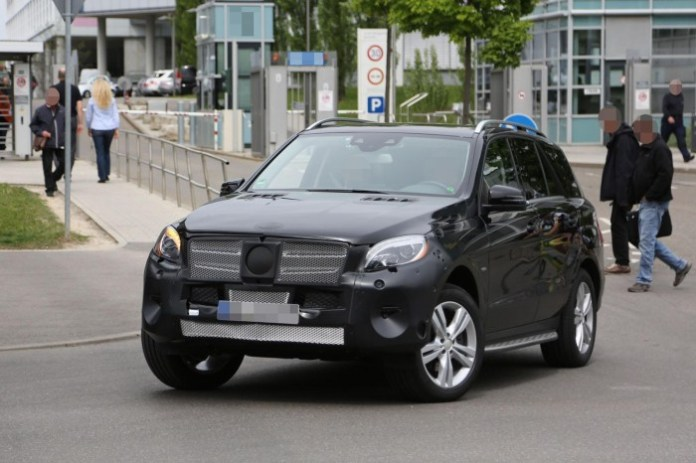 Mercedes M-Class Facelift 2015 spy photos