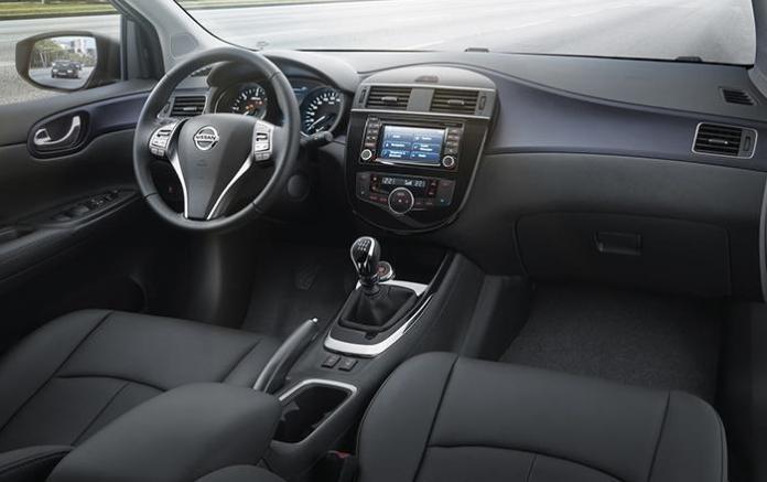 Nissan Pulsar 2015 (9)
