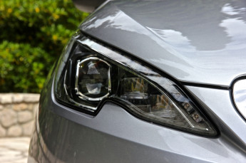 Test_Drive_Peugeot_308_eHDI_06