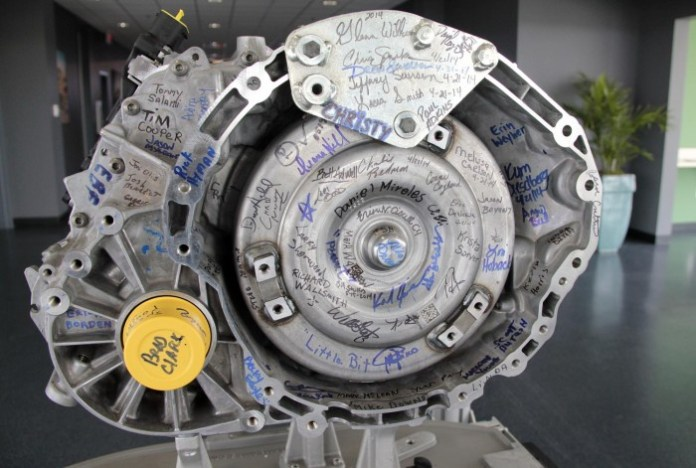chrysler-starts-producing-9-speed-auto-at-tipton-facility-photo-gallery_1