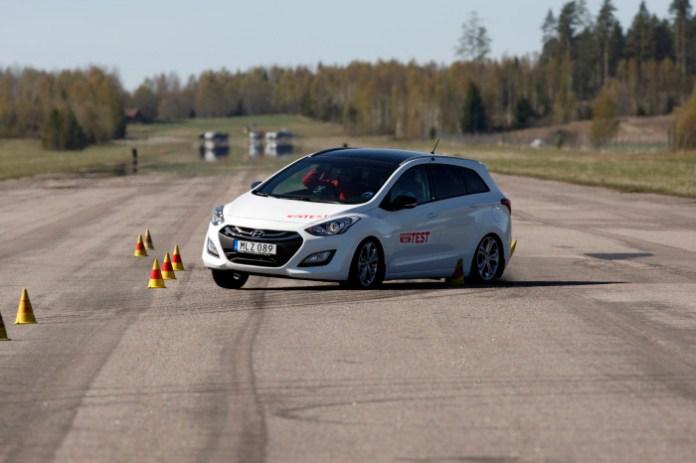 Hyundai i30 moose test