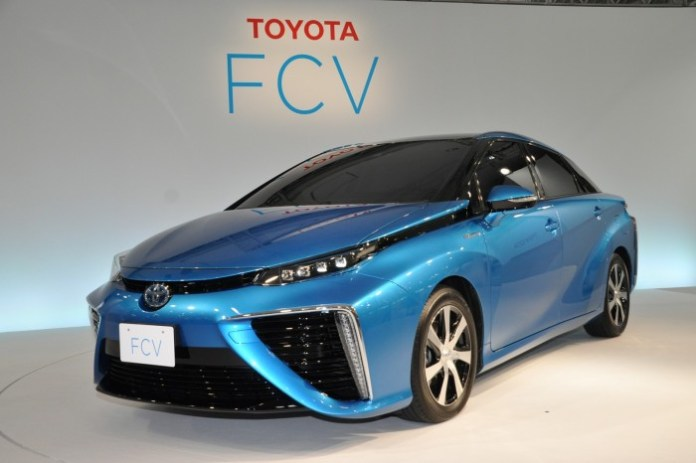 Toyota FCV 2015 production body
