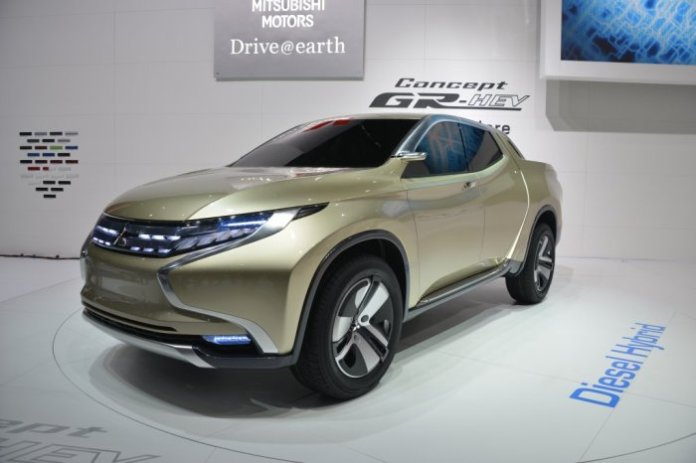 2015-Mitsubishi-Triton1