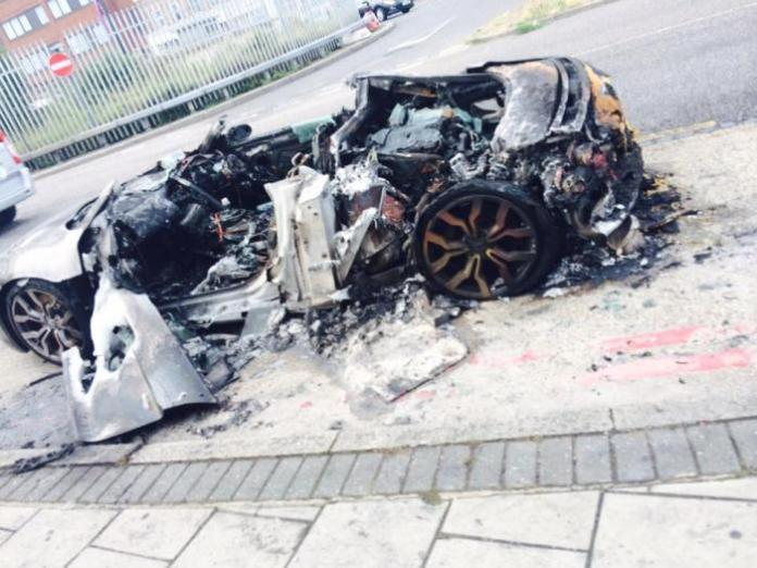 Audi R8 melted in London 01