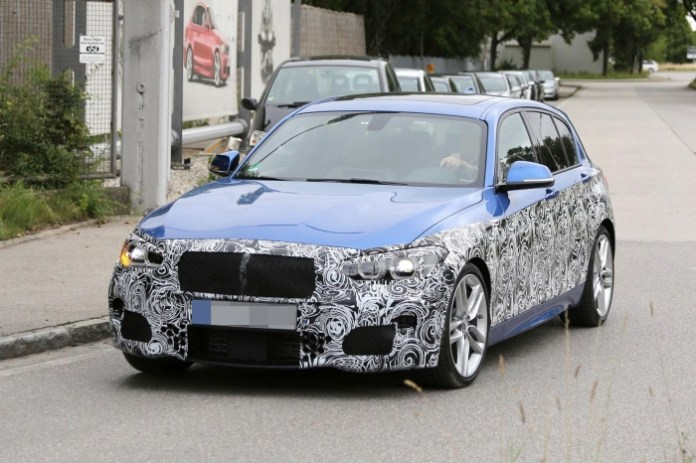 BMW 1-Series facelift Spy Photos (1)