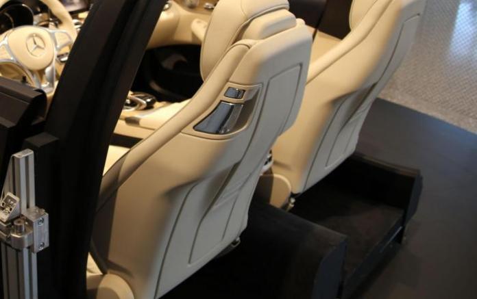 Mercedes C-Class Cabriolet interior (1)