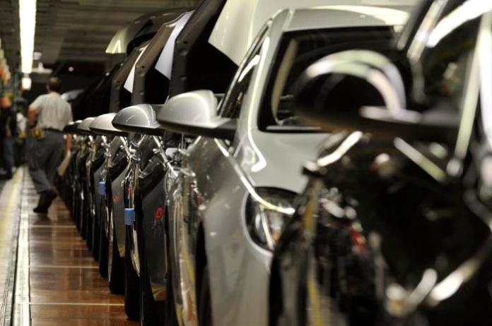"Newly built ""Insignia"" cars of General Motors German unit Opel are lined up inside the assembly hangar at the Opel headquarters in Ruesselsheim"