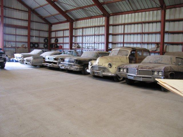 200 classic cars going to auction22