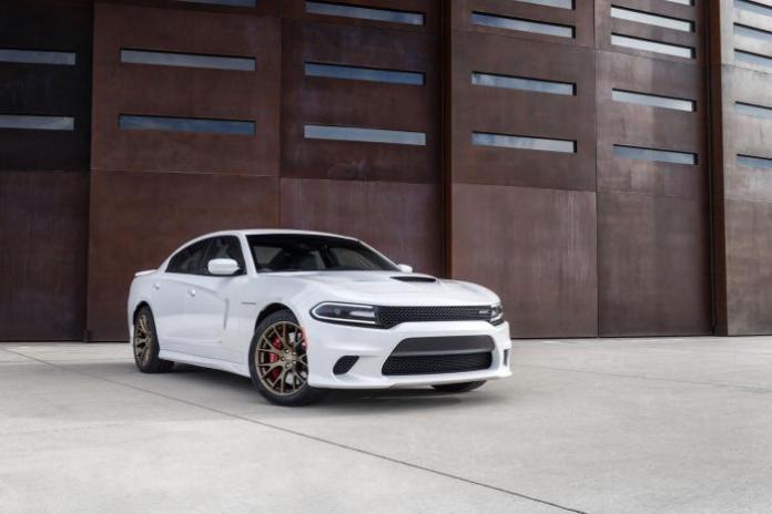 2015 Dodge Charger SRT Hellcat_32