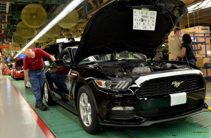 2015 Ford Mustang production (2)