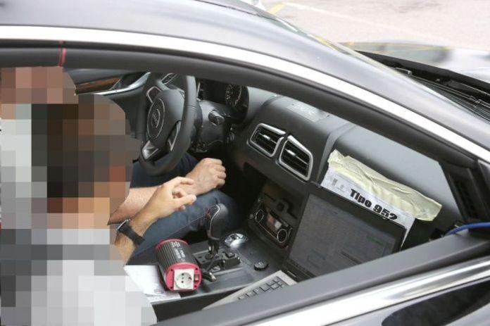 Alfa Romeo Giulia mule first spy photos